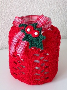 X-massy crocheted jar cover