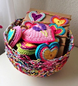 maRRose - CCC, yarn bowl with hearts