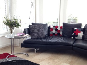 maRRose - CCC: hexagon blanket in black. grey, white and red