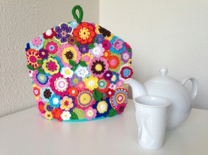 maRRose - CCC: flowers for tea cosy