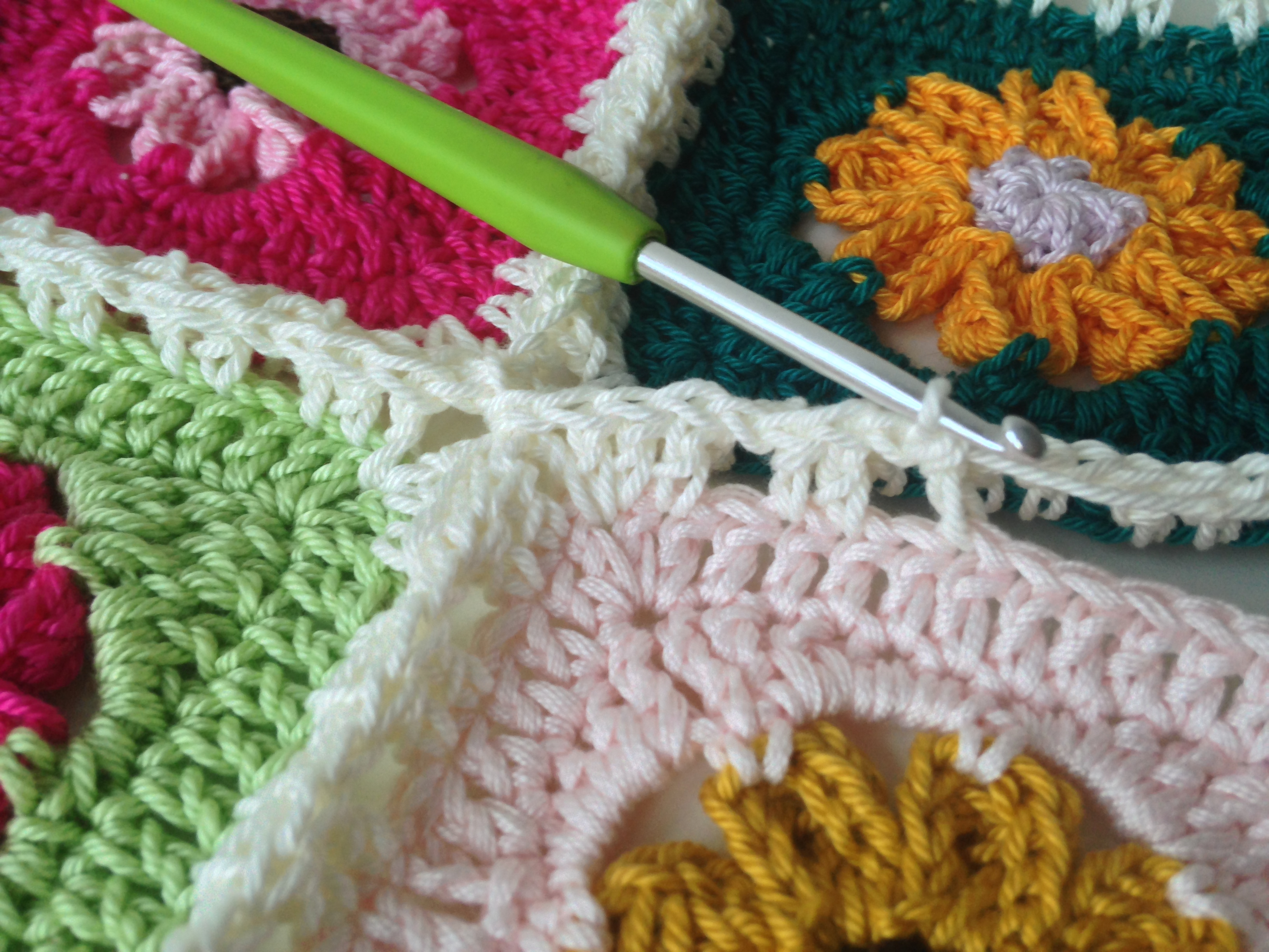 Crochet Stitches To Join Granny Squares : ... square, it really works very well using the continuous join as you go