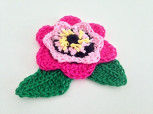maRRose - CCC --- flower brooch pink