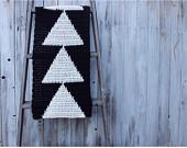 maRRose - CCC --- Treasury Tuesday Crochet in black-01