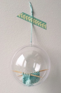 maRRose - CCC --- Crochet Christmas Baubles-56