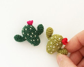 maRRose - CCC --- Treasury Tuesday, Crochet Flower Brooches-02