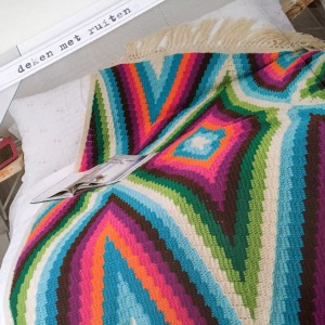 maRRose - CCC --- geo blanket-03