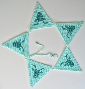 maRRose - CCC --- Crocheted Deer Bunting-12