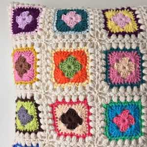 maRRose - CCC --- Bobble Granny Square Cushion-07